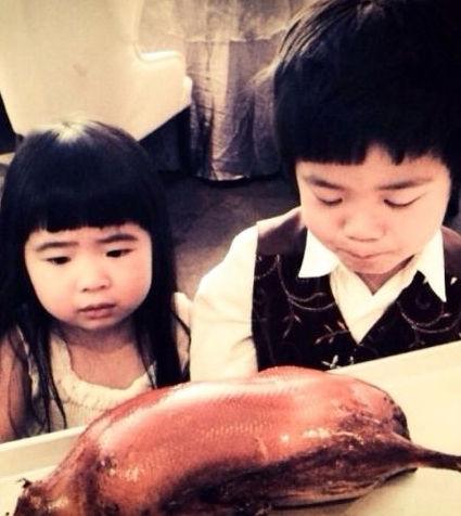 曹格烤鸭拒吃表情a烤鸭女儿呆萌--v烤鸭--中工网可爱壁纸表情包蔡徐坤图片